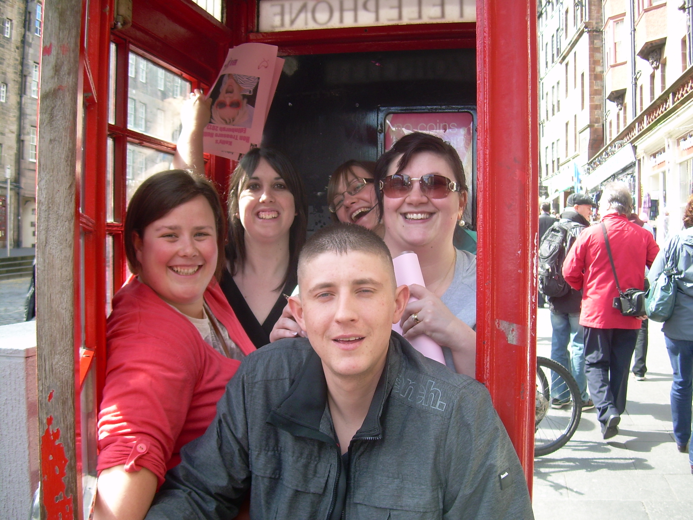 Hen party dare telephone box photo